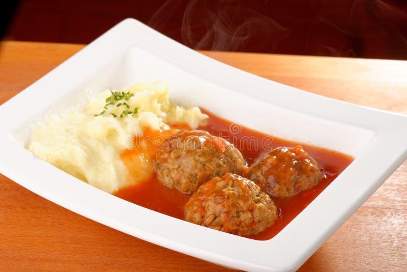 Boule de viande et purée de pommes de terre image libre de droits