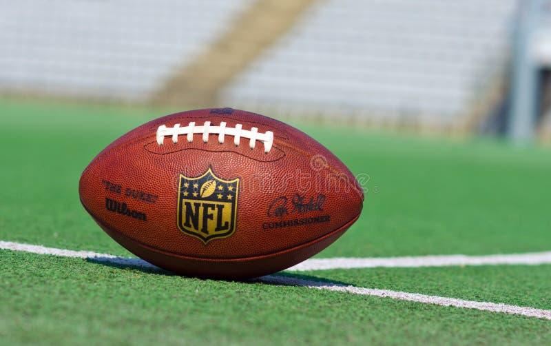 Boule officielle de NFL photo libre de droits