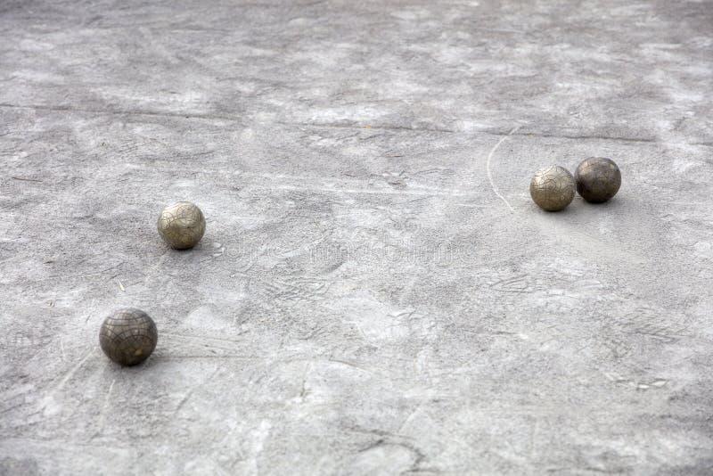 Boules de Bocce au sol photo stock