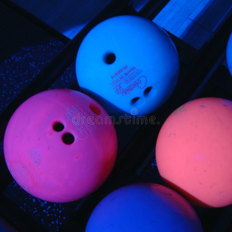 Boules de bowling de Fluo images stock