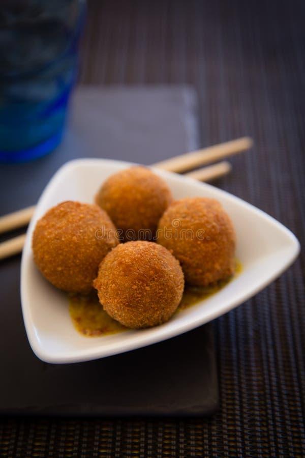Boules frites asiatiques photographie stock