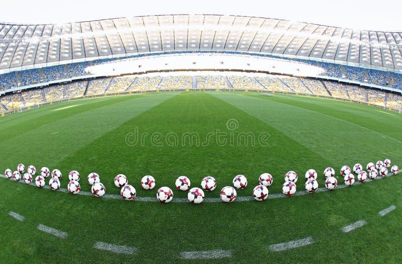 Boules officielles de match de la coupe du monde de la FIFA 2018 images stock