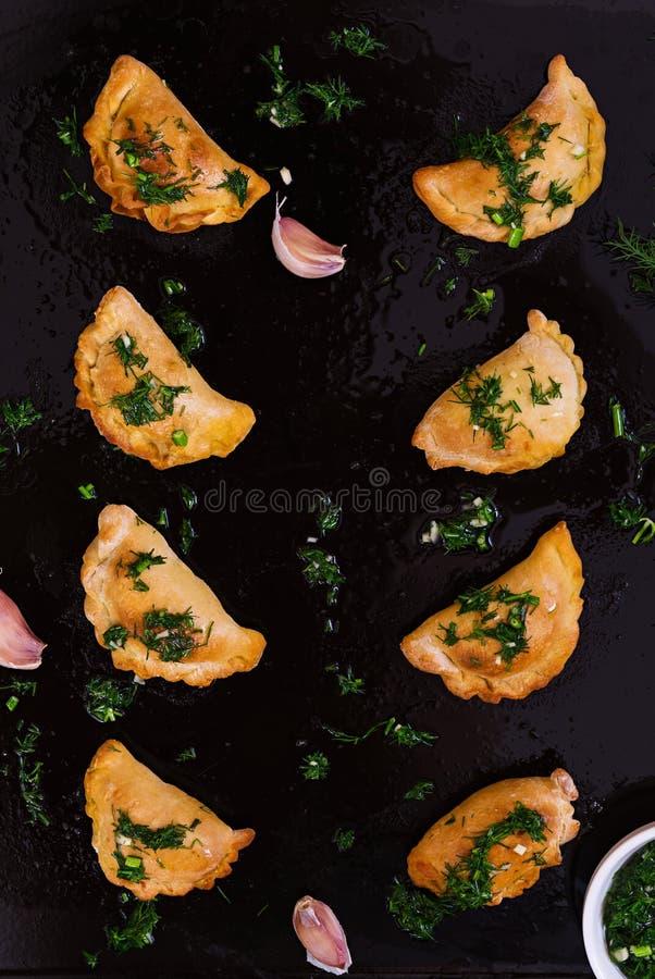 Boulettes cuites au four avec de la sauce à aneth Vue sup?rieure photos libres de droits