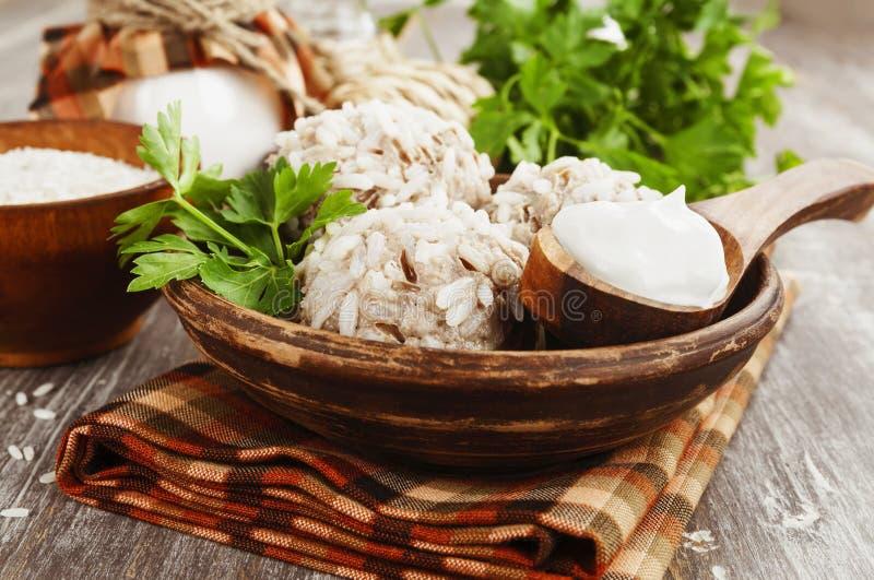 Boulettes de viande avec du riz images libres de droits