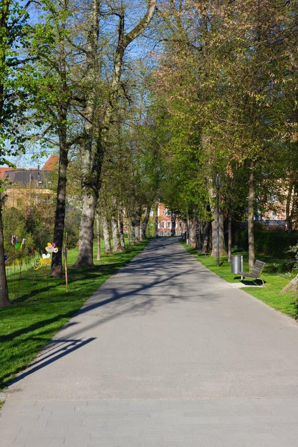 boulevard de parc de ville images libres de droits