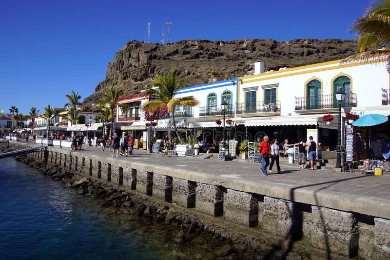 Boulevard van de haven van Puerto DE Mogan, Gran Canaria royalty-vrije stock foto's