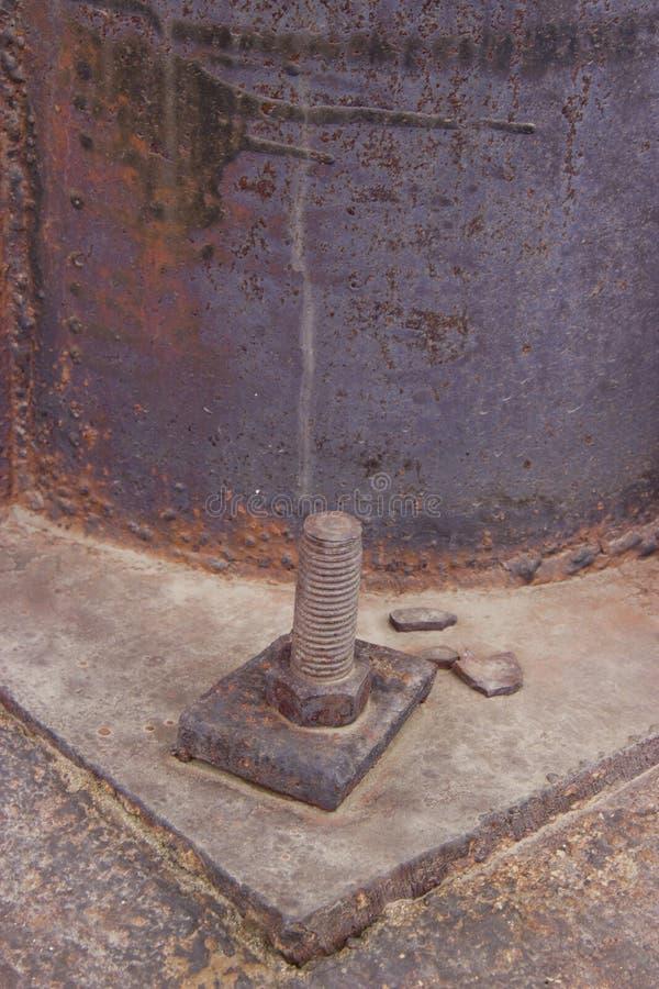 Boulon vissé et rouillé d'écrou rouillé de fer de fer image stock