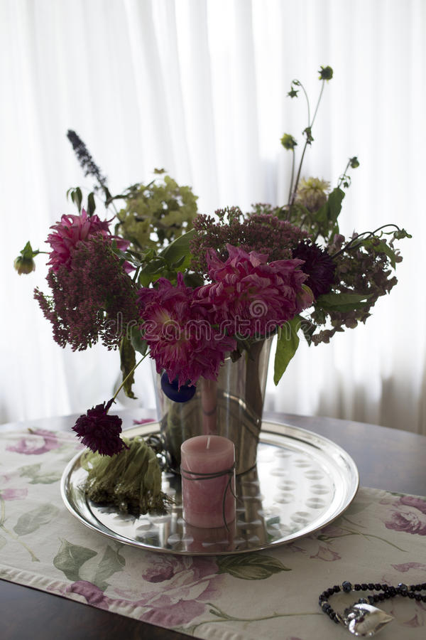 Bouqet of flowers II. A Bouqet of flowers in a living room royalty free stock photos