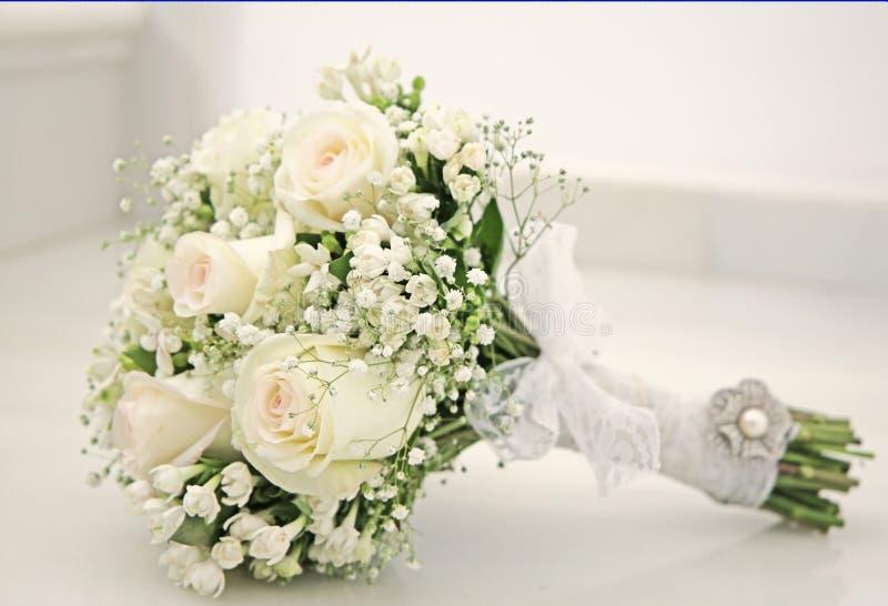 Bouquet blanc des fleurs photo libre de droits