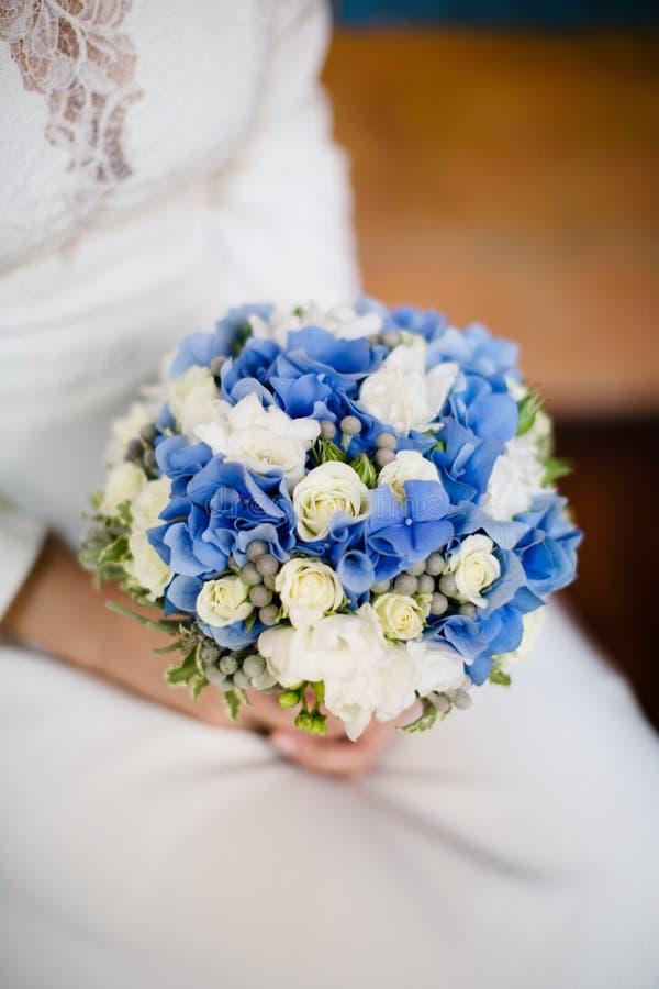 Bouquet bleu de mariage image libre de droits