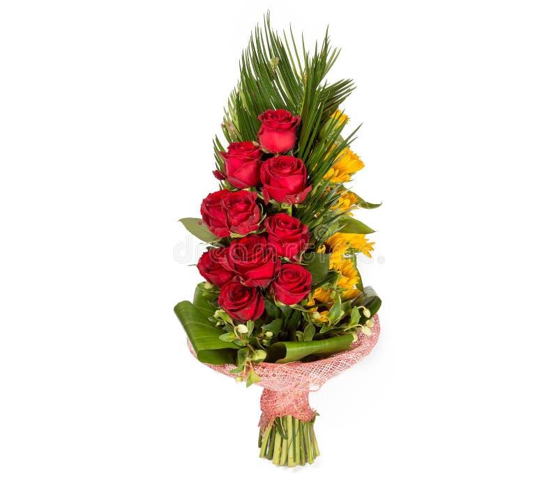 Bouquet coloré de fleur des roses rouges sur le fond blanc image stock