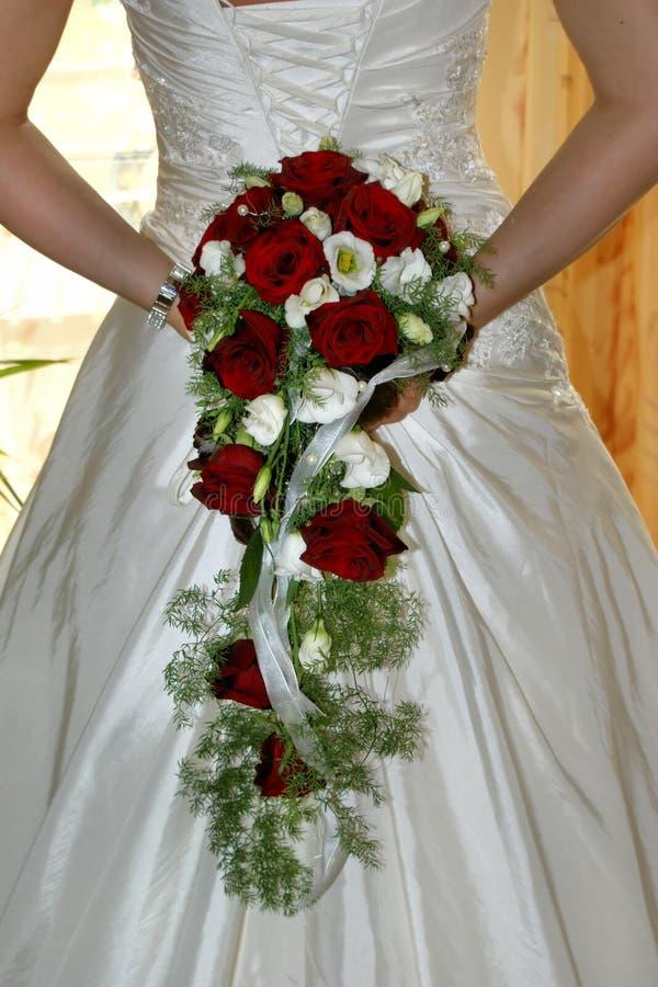 Bouquet de fixation de mariée photographie stock libre de droits