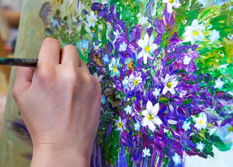 Bouquet De Fleur De Dessin De Femme Adulte Avec Sa Main Droite