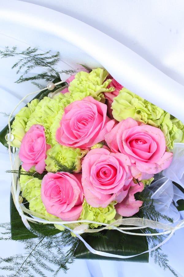 Bouquet de mariage des fleurs images libres de droits