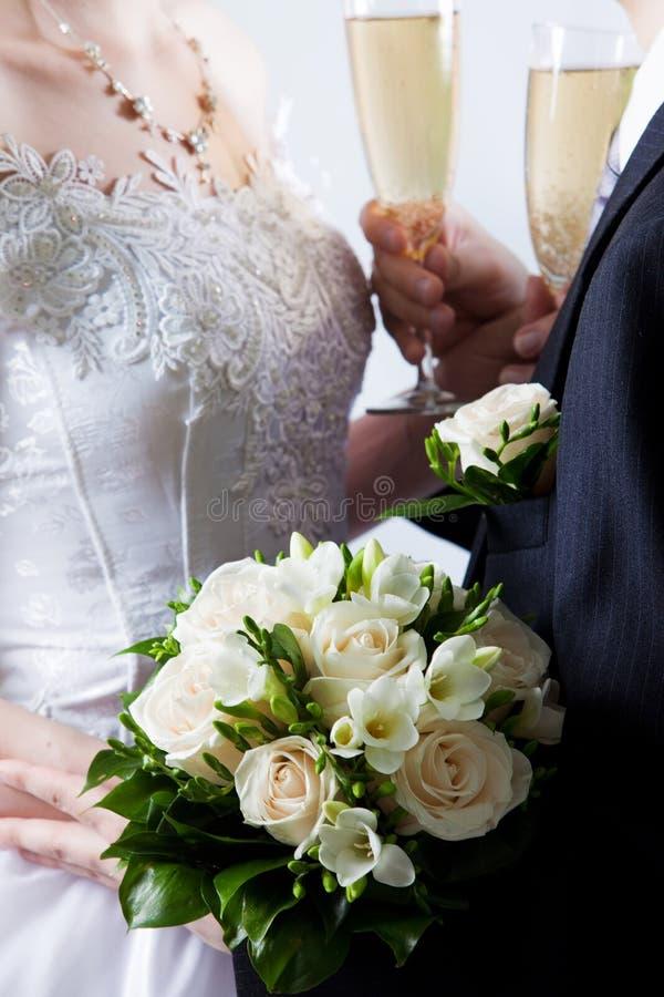 Bouquet De Mariage Des Fleurs Blanches Photographie stock