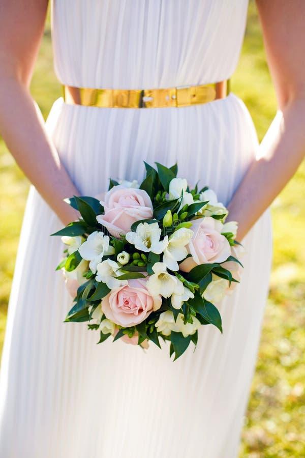 Bouquet de mariage des pivoines image stock