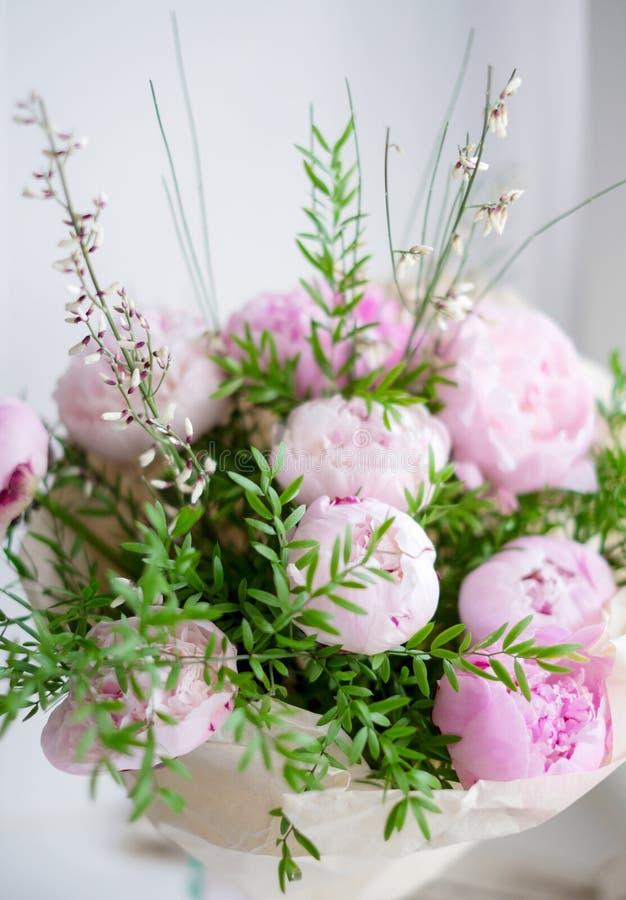 Bouquet de pivoines photographie stock
