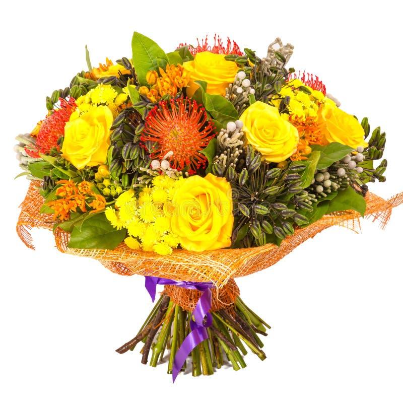Bouquet des fleurs d'isolement sur le blanc photo stock