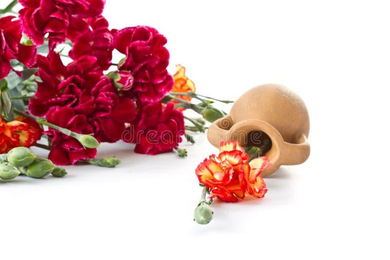 Bouquet des oeillets rouges photos stock