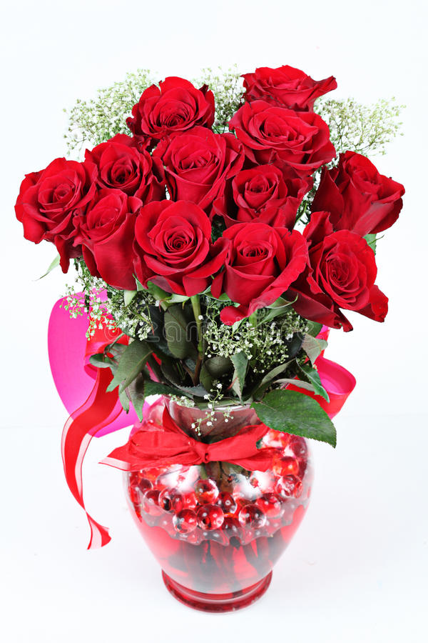 Bouquet des roses douzaine rouges photo stock