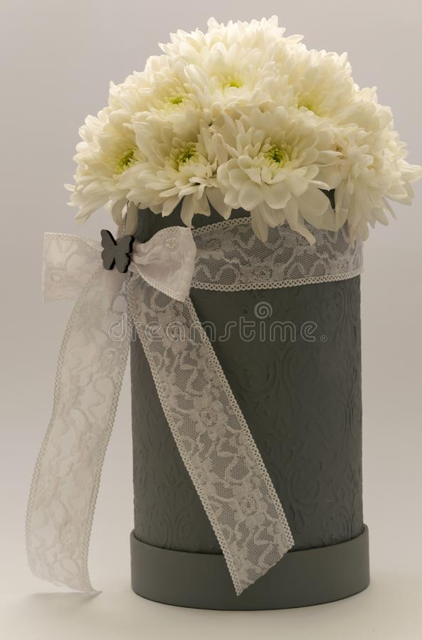 a bouquet of flowers gift for the wedding day anniversary easter