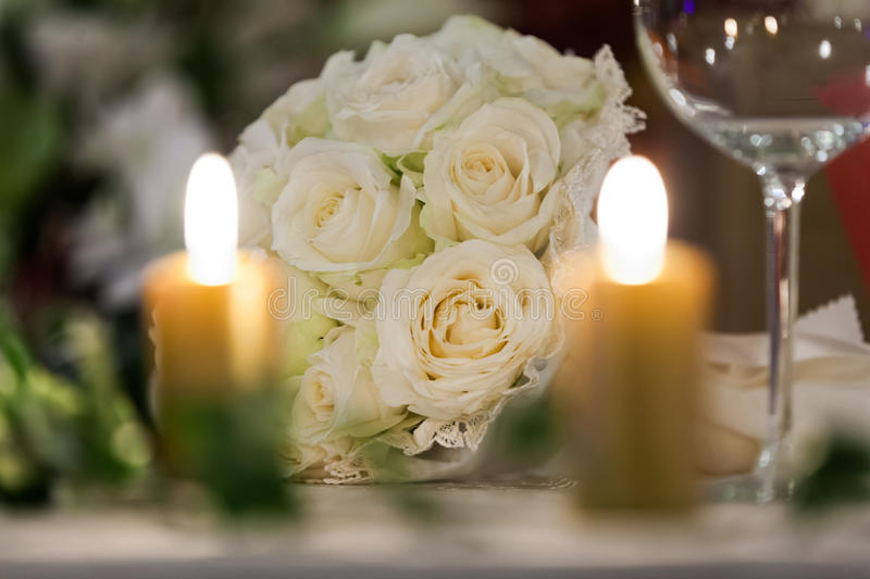 Bouquet nuptiale blanc photographie stock libre de droits