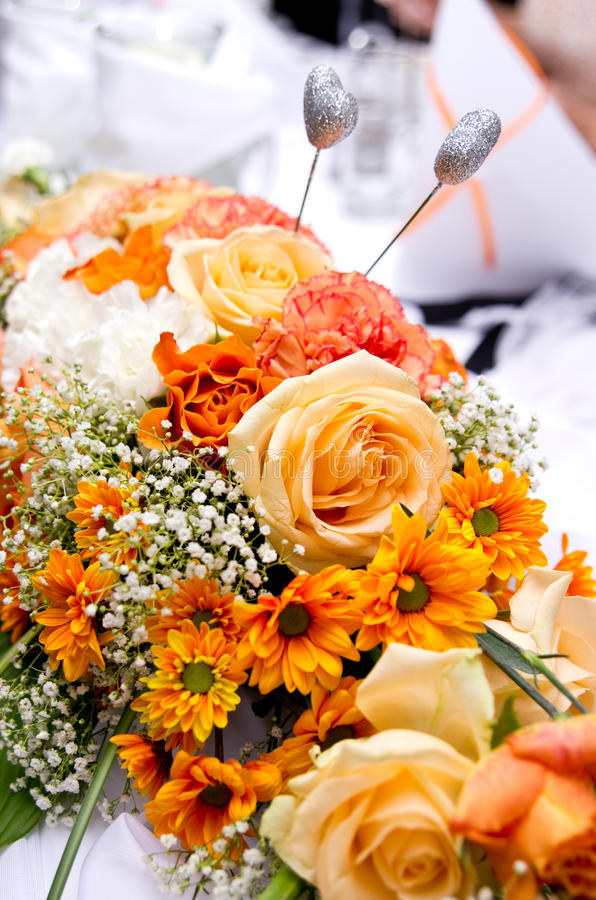 Bouquet orange de mariage photo stock