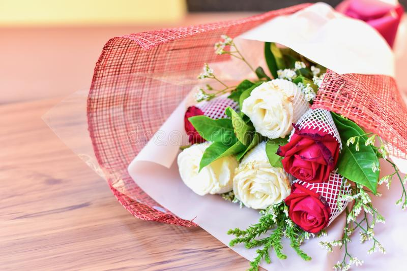 Bouquet romantique de roses pour la Saint-Valentin images libres de droits