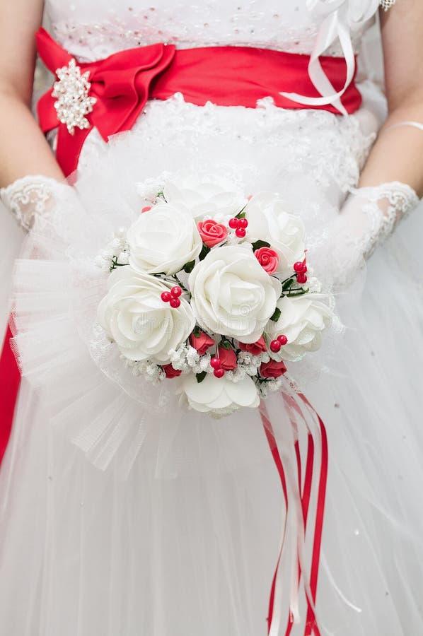 Bouquet rouge nuptiale images libres de droits