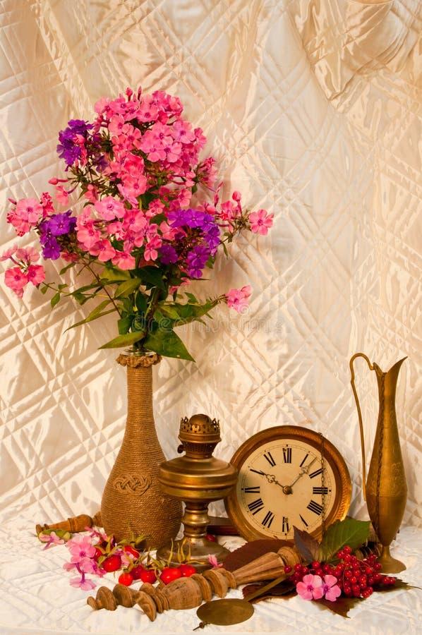 Bouquet toujours de la vie image stock