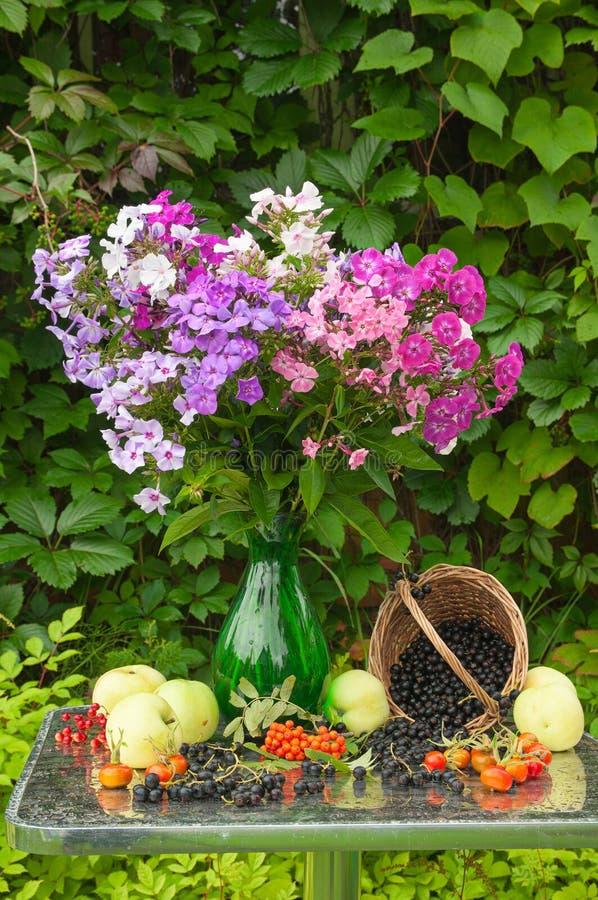 Bouquet toujours de la vie photographie stock
