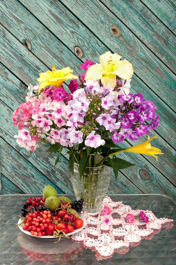 Bouquet toujours de la vie images libres de droits
