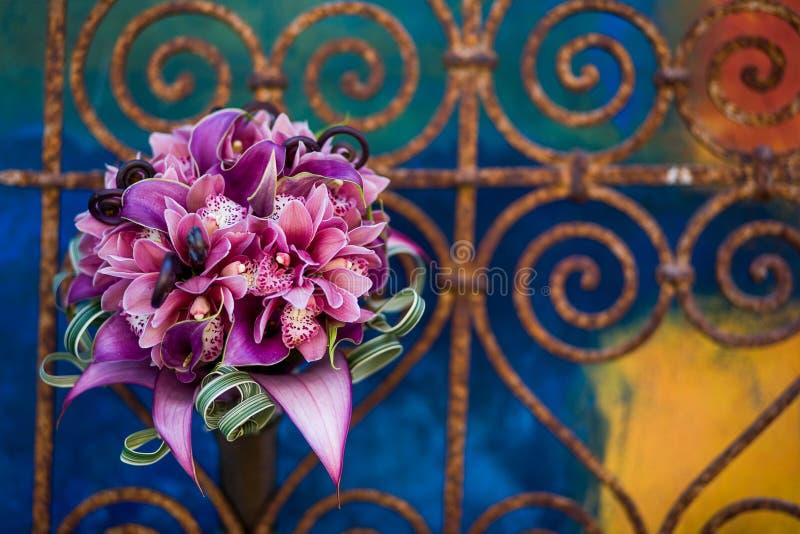 Bouquet vibrant des fleurs photo stock