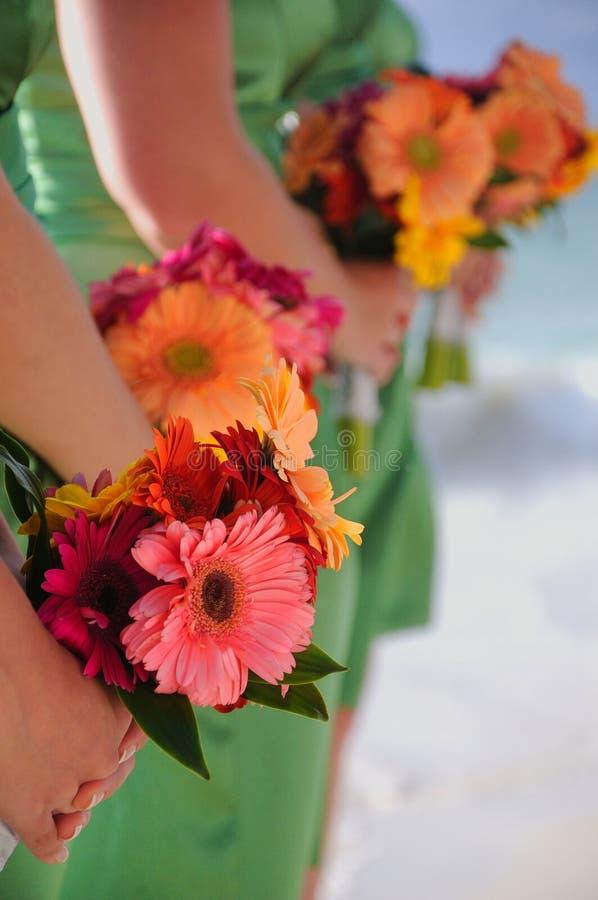 Bouquets de demoiselles d'honneur photos libres de droits