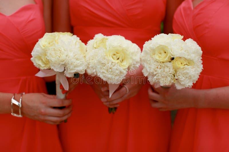 Bouquets de demoiselles d'honneur. image stock