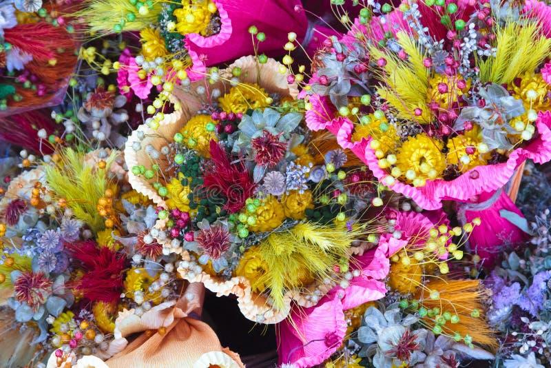 Bouquets des fleurs photo stock