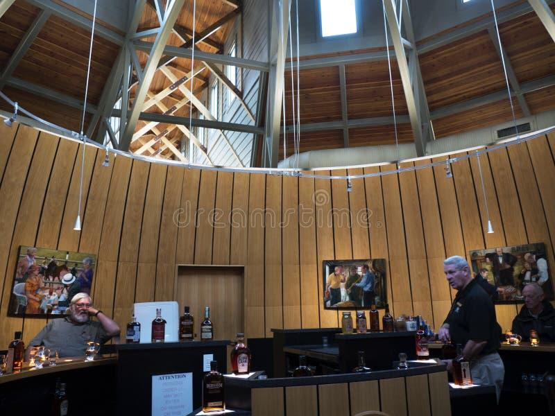 Bourbon het Proeven Ervaring bij Distilleerderij in Bardstown Kentucky de V.S. royalty-vrije stock foto