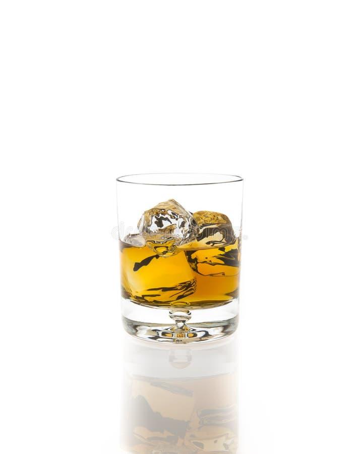 Bourbon no gelo imagens de stock