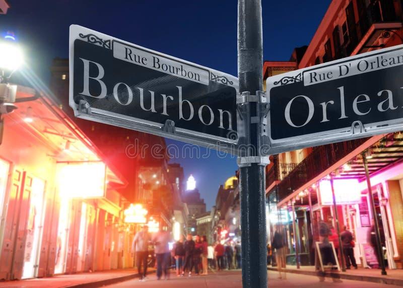 Bourbon Street sikt i New Orleans royaltyfri foto