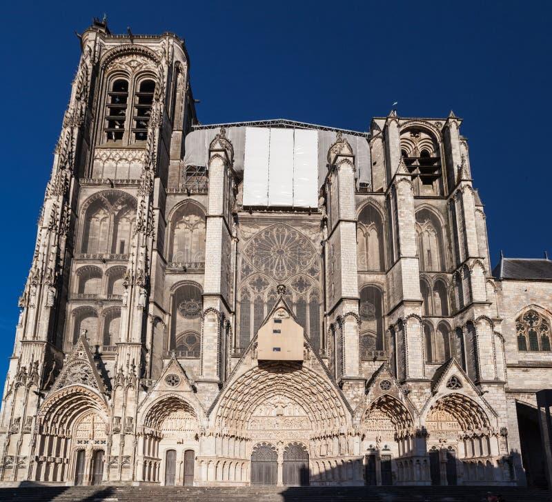Bourges-Kathedrale Frankreich stockbilder