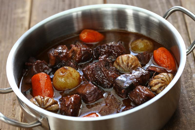 Bourguignon da carne, cozido de carne no vinho tinto fotografia de stock royalty free