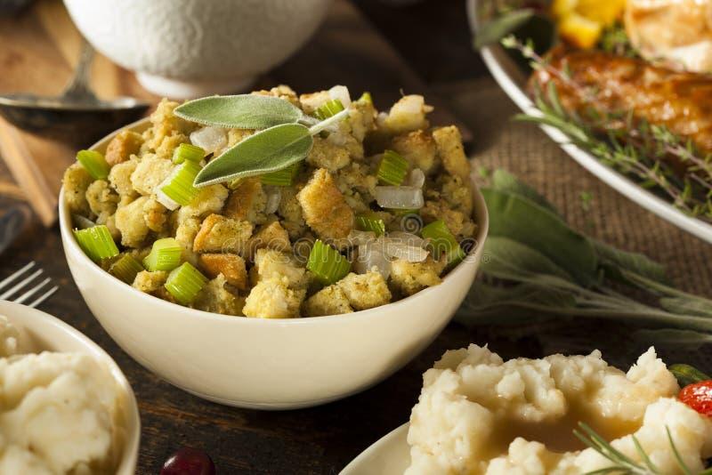 Bourrage fait maison pour le thanksgiving images libres de droits