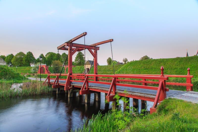 Bourtange, impalcatura con il ponte mobile fotografie stock libere da diritti