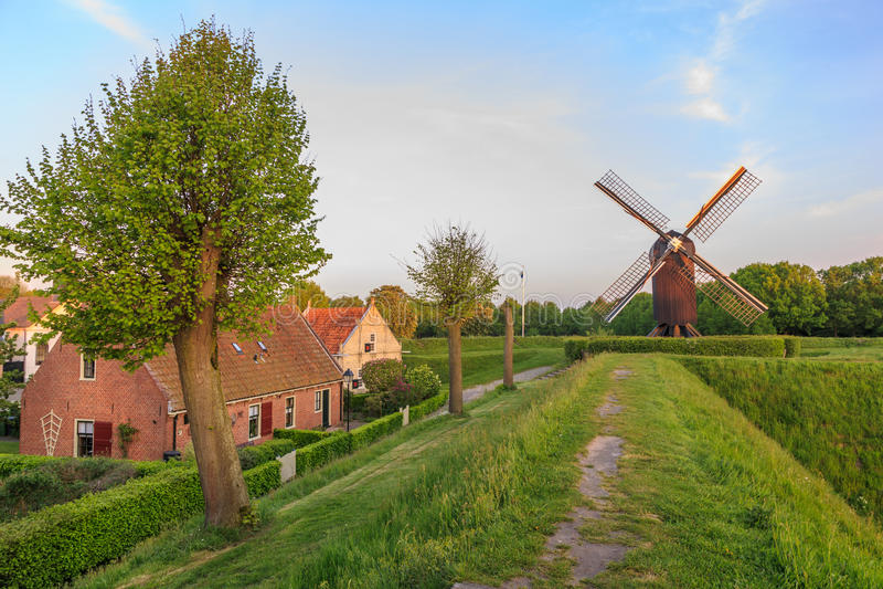 Bourtange, molino de viento de la fortaleza fotos de archivo