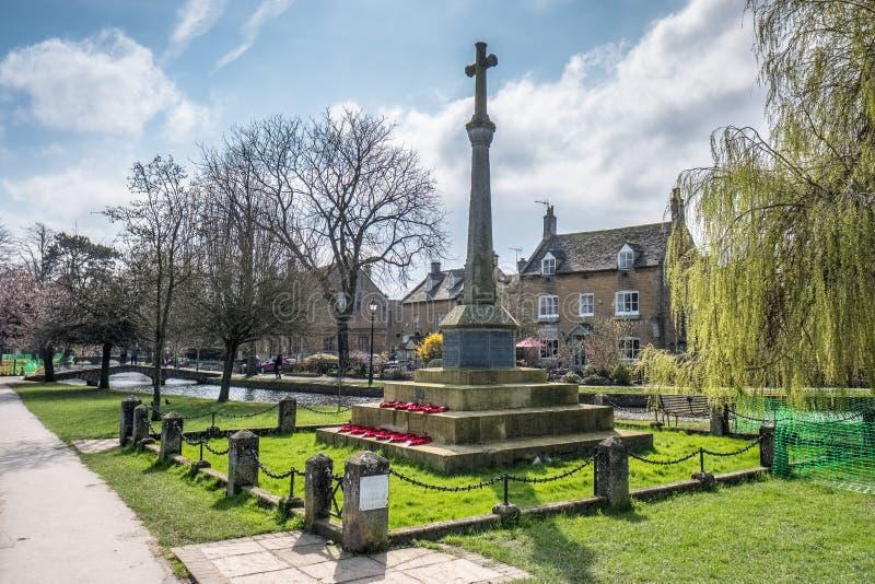 BOURTON-ON-THE-WATER, GLOUCESTERSHIRE/UK - 24 DE MARZO: C conmemorativa foto de archivo libre de regalías