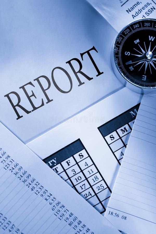 Boussole et rapport photos stock