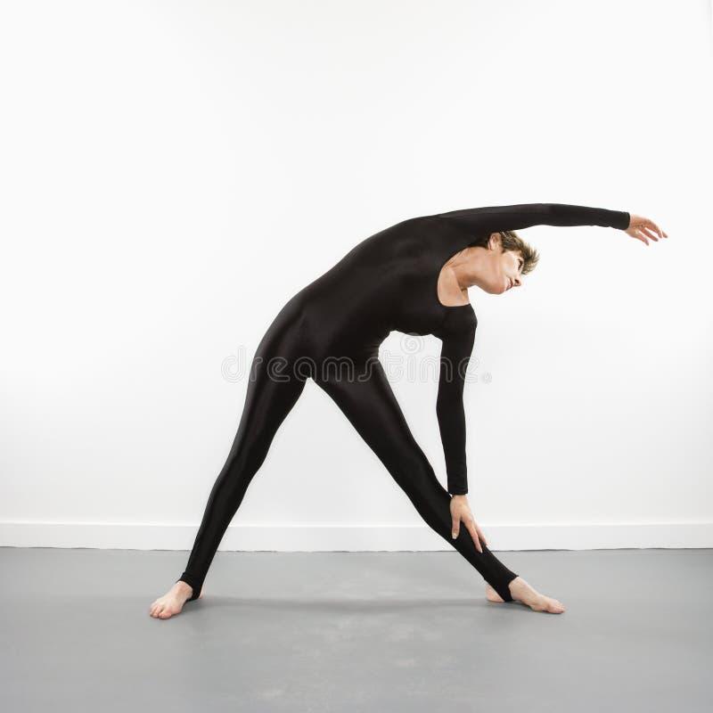 Bout droit de forme physique de femme. photo stock