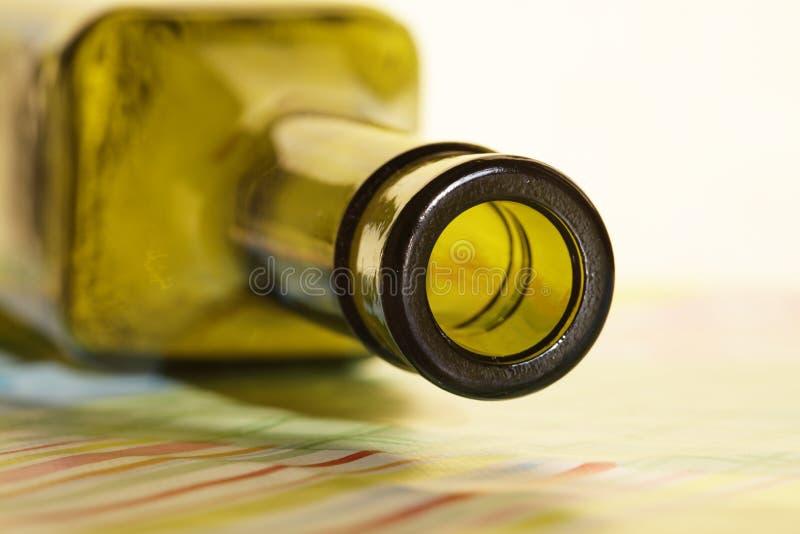 Download Bouteille image stock. Image du vert, bière, alcoolisme - 8663093