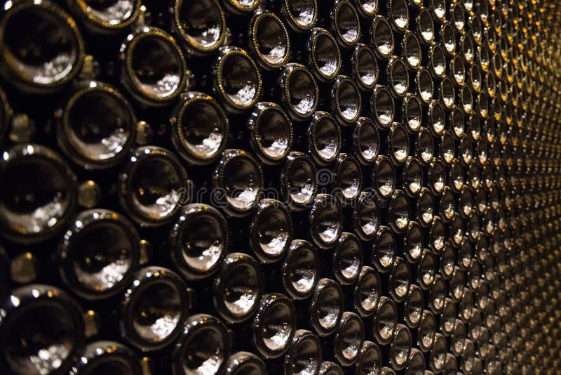 Bouteille d'étinceler des bouteilles de vin photos libres de droits