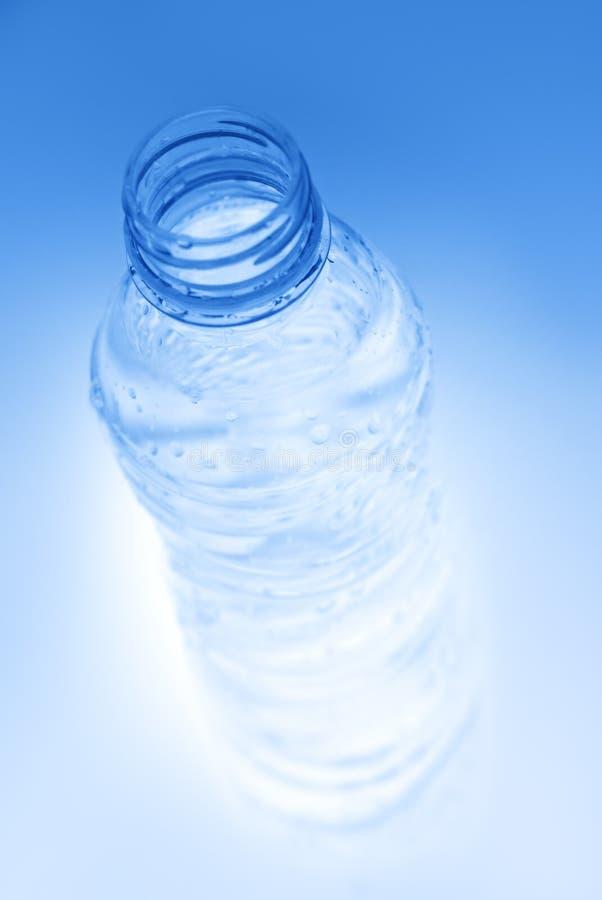 Bouteille d'eau minérale image libre de droits